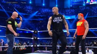 Stone Cold, The Rock y Hulk Hogan comparten el ring en WWE