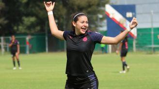 Norma Palafox festeja un gol