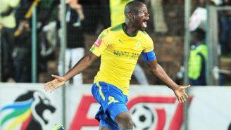 Hlompho Kekana festeja anotación con Mamelodi Sundowns FC