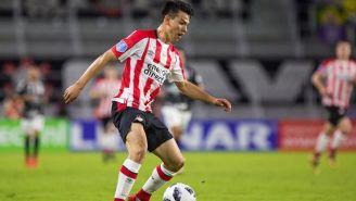 Hirving Lozano en el partido con PSV