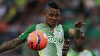 Arley Rodríguez controla el balón en un juego del Atlético Nacional