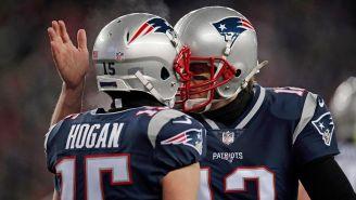 Brady festeja un TD con Hogan