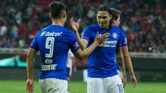 Gullit festeja uno de los goles de Felipe Mora