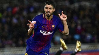 Luis Suárez celebra un gol frente a la Real Sociedad