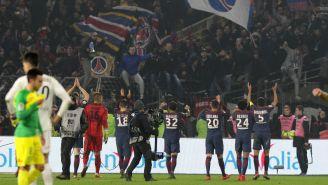 Los jugadores del PSG agradecen el apoyo de los aficionados en el encuentro ante Nantes