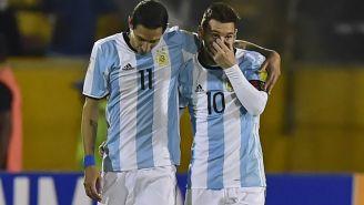 Messi y Di María comparten abrazo en duelo de la Selección de Argentina