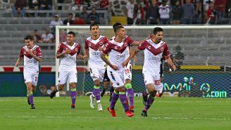 Jugadores de Veracruz celebran un gol en el C2018