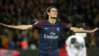 Edinson Cavani festeja un gol con el París Saint-Germain