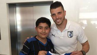 Kevin Rivas posa junto a Tiago Volpi