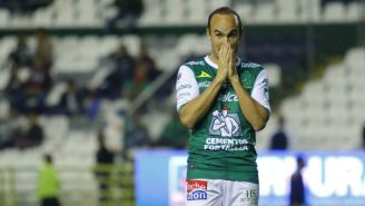 Landon Donovan se lamenta tras fallar anotación en el Estadio León