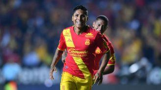 Raúl Ruidíaz festeja su gol contra Atlas en el C2018