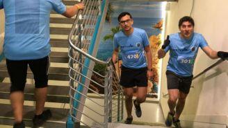 Participantes de la carrera vertical en la CDMX