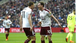 Barnes celebra gol contra West Ham