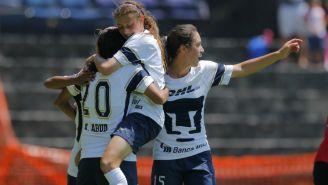 Pumas femenil  festeja gol contra Monarcas en la J10