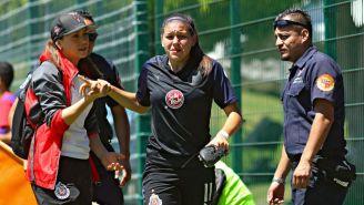 Norma Palafox llora al salir de cambio por lesión en el Clásico Tapatío