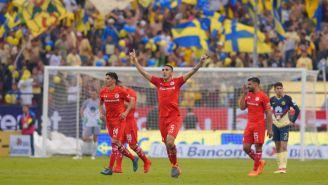 Toluca celebra gol de Osvaldo González contra América