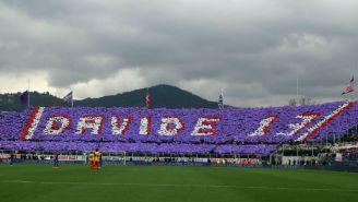 Aficionados dedican homenaje a Davide Astori