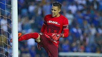 Saldívar se lamenta tras el empate de Cruz Azul en la J12