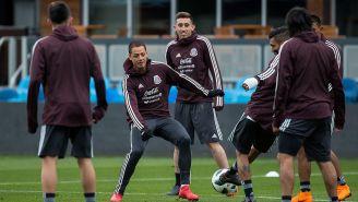 Javier Hernández en el entrenamiento del Tri