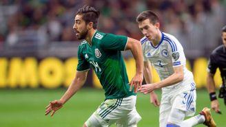 Pizarro en un partido con la Selección Mexicana