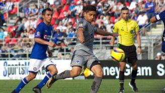 Acción del amistoso entre Cruz Azul y Monterrey
