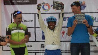 Maximiliano Contreras festejando luego de ganar el segundo lugar