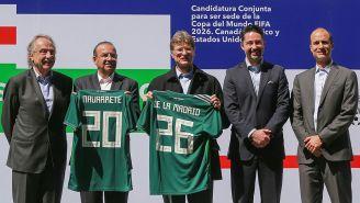 Directivos mexicanos en un evento de la candidatura conjunta