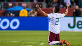 Araujo reza previo al partido contra Croacia