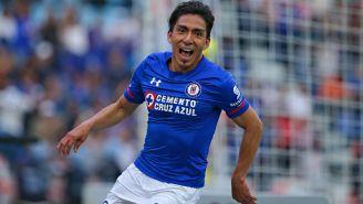 Ángel Mena celebra gol con Cruz Azul en la J11
