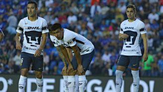 Pumas durante un partido frente a Cruz Azul