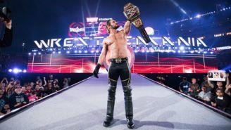 Seth Rollins sale de Wrestlemania 31 con el máximo cinturón de WWE