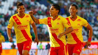 Ruidíaz celebra un gol con Monarcas