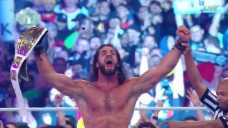 Seth Rollins levanta el título