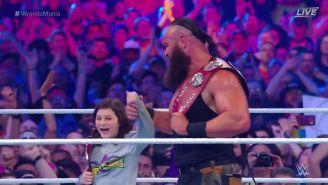 Strowman y Nicolas celebran los títulos en Pareja