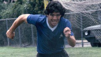 Maradona, en un juego con Argentina