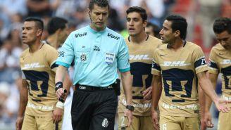 Jugadores de Pumas se quejan con Erick Miranda