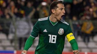 Guardado celebra un gol con el Tri