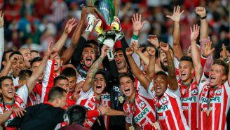 Necaxa levanta y festeja el título de la Copa MX