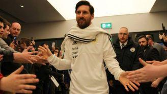 Lionel Messi arriba con la selección de Argentina