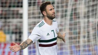 Miguel Layún celebra un gol con la Selección Mexicana