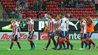 Jugadores de Chivas tras el juego contra Veracruz