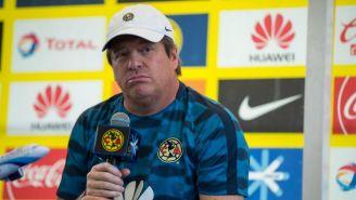 Miguel Herrera habla en conferencia de prensa en Coapa
