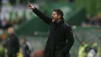 Diego Simeone lanza un grito a sus jugadores en el duelo vs el Sporting