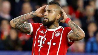 Arturo Vidal lamenta una acción en partido del Bayern Munich
