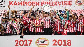 La plantilla del PSV levanta el título de la Eredivisie