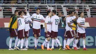 Seleccionados festejan un gol contra Islandia