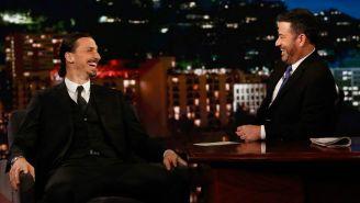 Zlatan mantiene entrevista con Jimmy Kimmel en su programa