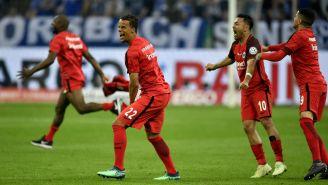 Eintracht Frankfurt festeja pase a la Final de la Copa de Alemania