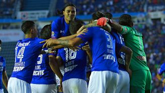 La celebración de los jugadores celestes en el Azul