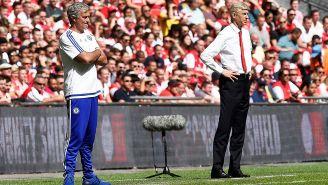 Mourinho y Wenger observan juego
